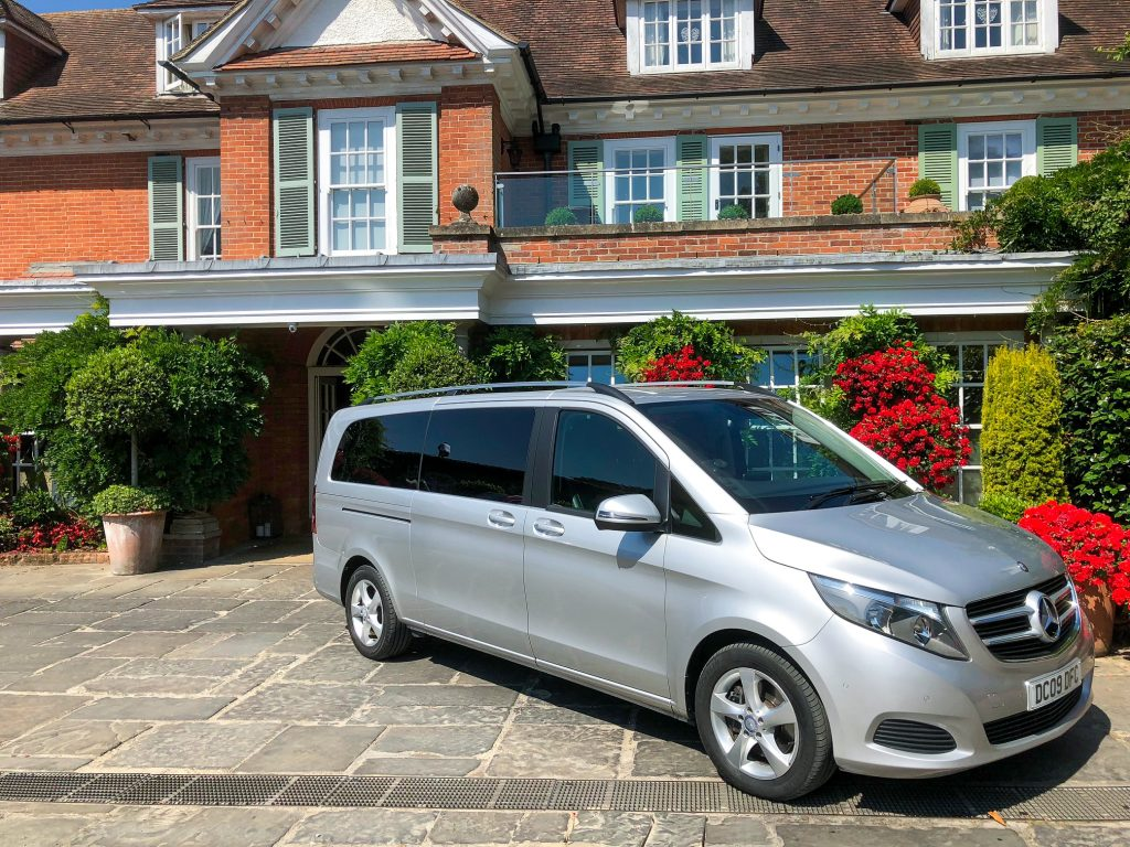 Chauffeur Hire And Executive Private Hire In Luxury Mercedes Cars And MPV Vehicles. Fareham, Gosport, Southampton, Portsmouth, Bournemouth, Winchester, Dorset, West Sussex, Wessex, Hampshire